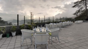 05-Hills-Edge-Restaurant-Exterior-View1